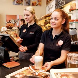 Azubi Laura Villani Einzelhandelskauffrau Cafe Curt